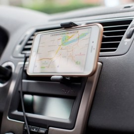 Moshi Car Vent Mount For 6__ Phones Black_2.jpg